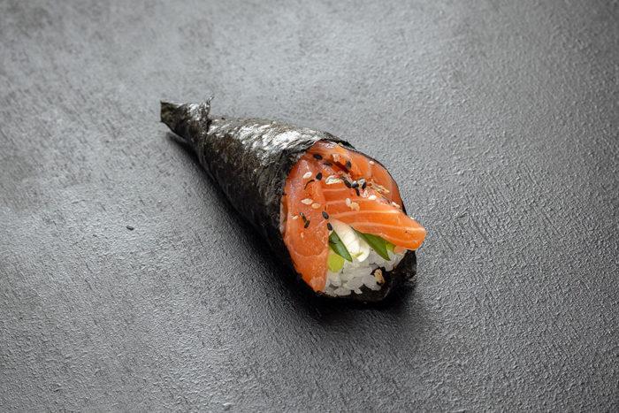 Рожок с лососем